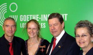 Cornelia Funke mit Verdienstkreuz geehrt (Foto)