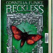 Cornelia Funkes neues Buch Reckless - Lebendige Schatten ist ein Wettlauf mit dem Tod.