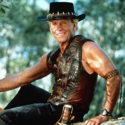 Der australische Draufgänger Mick Dundee, legendär gespielt von Paul Hogan.