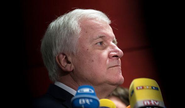 CSU-Chef Seehofer fordert einen Rechtsruck. (Foto)