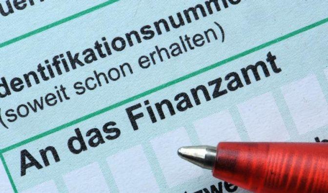 CSU und FDP rücken von schnellen Steuersenkungen ab (Foto)