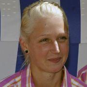 Da war die Welt für Nadja Drygalla noch in Ordnung: Die 23-Jährige bei der Verabschiedung der Olympiateilnehmer aus Mecklenburg-Vorpommern Richtung London.