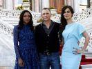 Daniel Craig mit den Bond-Girls Naomie Harris (l.) und Bérénice Marlohe. (Foto)