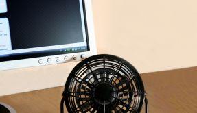 Dank der Kabellänge von 105 Zentimetern lässt sich der USB-Ventilator nach Belieben platzieren, ohne dass Sie Ihren Computerstellplatz ändern müssen. (Foto)