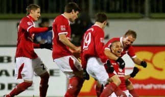 Dank Sams Dreierpack: Kaiserslautern wieder oben (Foto)