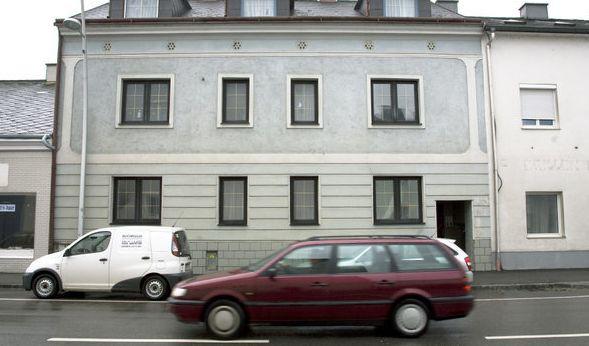 Das Haus, in dem Josef Fritzl seine Tochter jahrelang gefangen hielt, wird vermietet (Archivbild). (Foto)
