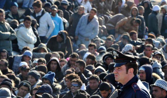 Das Lager auf Lampedusa ist völlig überfüllt (Foto)