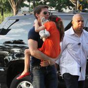 Das erste Mal nach der Trennung von Katie Holmes besuchte Tom Cruise seine Tochter Suri.