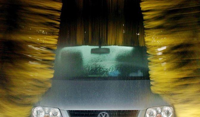 Das Salz muss runter: Autopflege nach dem Winter (Foto)