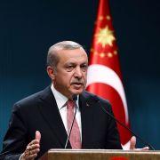 """Das Satire-Magazin """"Titanic"""" macht sich momentan über Erdogans bestes Stück lustig. (Foto)"""