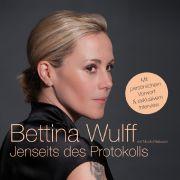 Das Vorwort zum Hörbuch von Jenseits des Protokolls spricht Bettina Wulff höchstselbst.