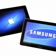 Dauerstreit: Apple und Samsung werfen sich gegenseitig die Verletzung von Urheber- und Patentrechten vor.