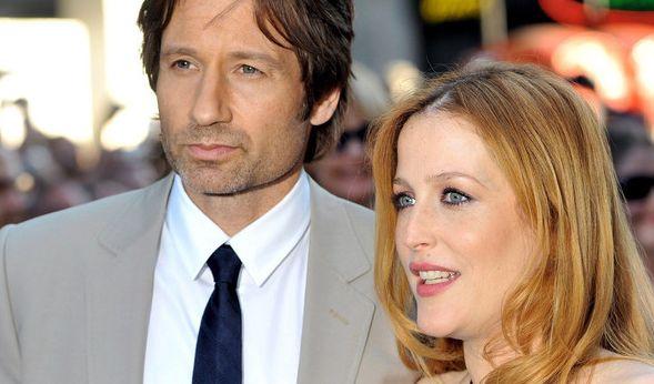 David Duchovny und Gillian Anderson spielen die Agenten Mulder und Scully der Mystery Serie
