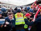 Demonstrantenblockieren Flughafen von Marseille (Foto)