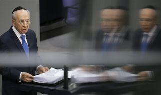 Den Holocaust nicht als «astronomisches schwarzes Loch» betrachten: Schimon Peres. (Foto)