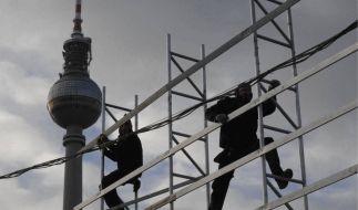 Der Aufbau Ost, hier auf dem Alexanderplatz in Berlin, erhält von Experten gute Noten. (Foto)