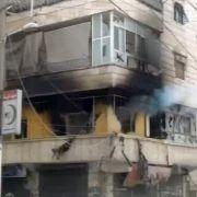 Der Ausschnitt aus einem Video Ugarit News zeigt eine zerstörte Häuserfront in Aleppo.