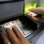 Der Bankautomaten-Hersteller NRC warnt Deep-Insert-Skimming. (Foto)
