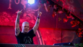 """Der Brasilianische DJ Marcelo Cic bei seiner Performance beim """"Tomorrowland"""" 2015 in Brasilien. (Foto)"""