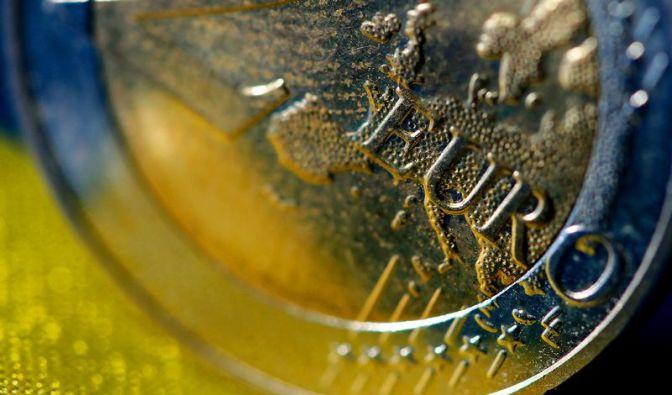 Der Bundestag stimmt über das zweite Griechenland-Paket von 130 Milliarden Euro ab.  (Foto)