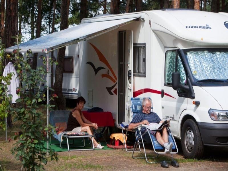 leben im wohnwagen letzter ausweg campingplatz. Black Bedroom Furniture Sets. Home Design Ideas