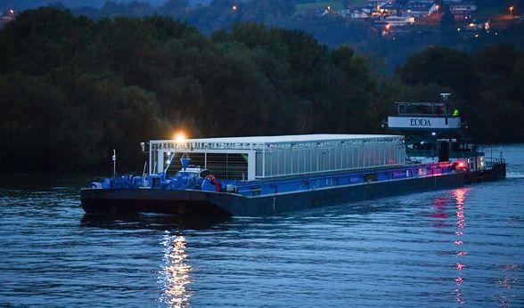 Der dritte Castor-Transport auf dem Neckar ist unterwegs. (Foto)