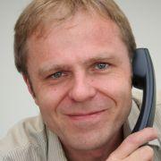 Der Experte am Telefon: Dr. Lothar Burghaus.