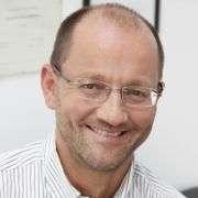 Der Experte am Telefon: Dr. Stefan Ries.