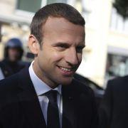 Der französische Staatspräsident Emmanuel Macron auf dem Weg ins Wahllokal am 18. Juni 2017. (Foto)