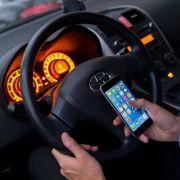 Neuer Bußgeldkatalog! Das ändert sich beim Handy-Verbot am Steuer (Foto)