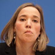 Der, die, das Gott? Kristina Schröder liefert wieder einmal Zündstoff in den eigenen Reihen.