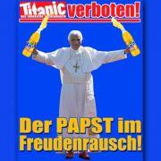 Der Papst im Freudenrausch: Das Satire-Magazin Titanic hat auf seiner Hompage bereits auf den Verkaufsstopp reagiert.