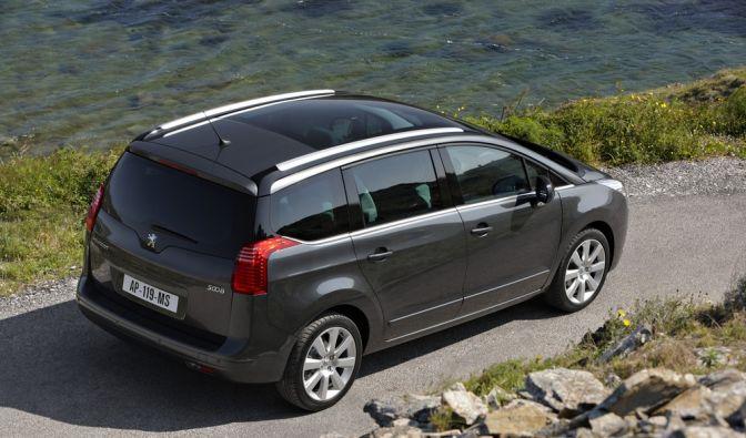 Der Peugeot 5008 ist einer von zwei Kompakt-Vans der Franzosen auf der kommenden IAA. (Foto)