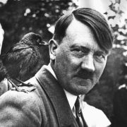 Hetzschrift von Adolf Hitler ist wieder ein Bestseller in Deutschland (Foto)