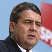 Der SPD-Vorsitzende Sigmar Gabriel und seine Partei wollen eine Mindestrente.