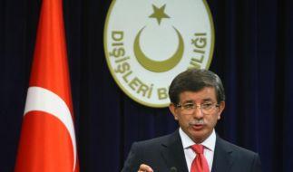 Der türkische Außenminister Ahmet Davutoglu: «Es ist Zeit, dass Israel einen Preis zahlt» (Foto)