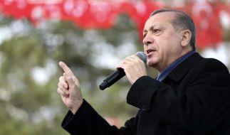 Der türkische Staatspräsident Recep Tayyip Erdogan will seine Nazi-Vergleiche nicht zurücknehmen. (Foto)