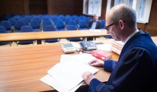 Der Vorsitzende Richter am Verwaltungsgericht, Winfried Schwerdtfeger, am 18. August 2015 in Düsseldorf. Die hohe Zahl der Asylstreitverfahren belastet auch die Verwaltungsgerichte. (Foto)