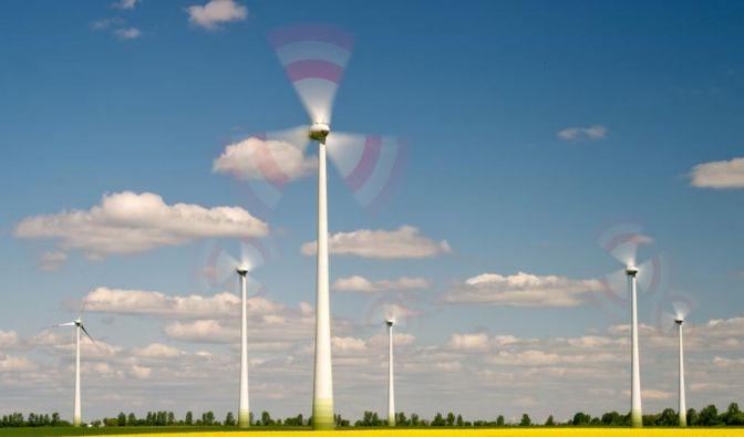 Der Wechsel zum Ökostrom-Anbieter schont oft nicht nur die Umwelt, sondern auch die eigenen Finanzen (Foto)