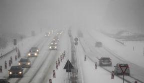 Des einen Freud, des anderen Leid: Der Winter macht vor allem Autofahrern zu schaffen. (Foto)