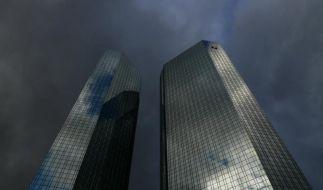 Deutsche Bank schluckt Postbank fast komplett (Foto)