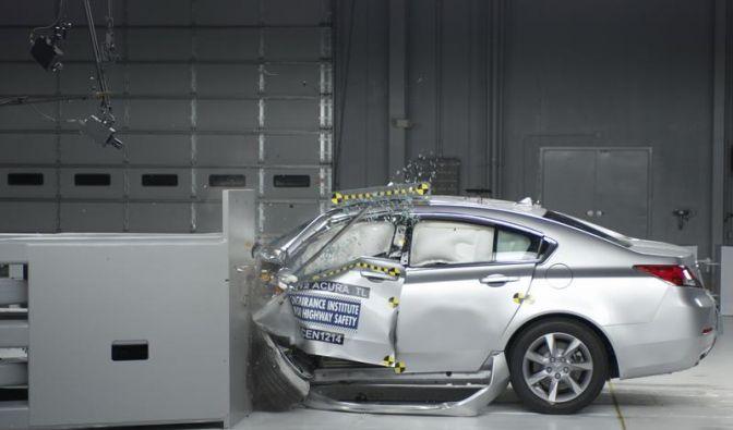 Deutsche Nobelkarossen versagen bei neuen US-Crashtest (Foto)