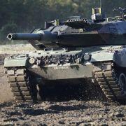 Deutsche Panzer sind im Ausland beliebt. Am Typ Leopard 2 zeigten unter anderem Katar und Indonesien Interesse.