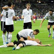 Deutschland bejubelt Lars Bender. Er wurde gegen Dänemark zum Matchwinner.