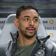 Deutschlands Karim Bellarabi sitzt auf der Spielerbank. (Foto)
