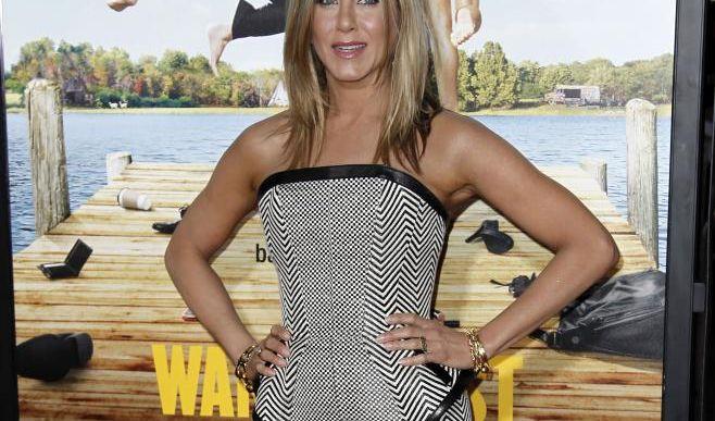 Diät im Miniformat: Um ihre schlanke Linie zu halten, isst Hollywood-Star Jennifer Aniston ihre Mahlzeiten von Puppentellern. (Foto)