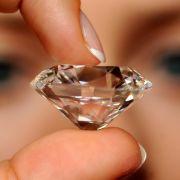 Kapitaler Klunker: Dieser 103 Karat schwere Diamant konnte 2003 in der Schweiz nicht versteigert werden. Niemand mochte die geforderten 6,5 Millionen Euro bieten.