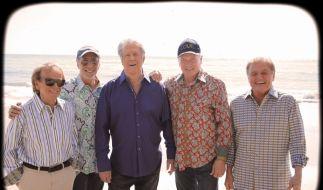Die Beach Boys feiern ihr 50. Band-Jubiläum - und die Harmonie. (Foto)