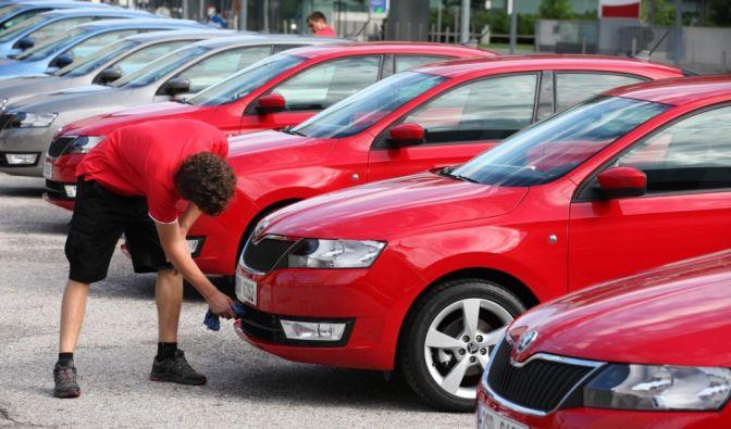 Die besten Bilder zu Das Autojahr 2012: Berg- und Talbahn (Foto)