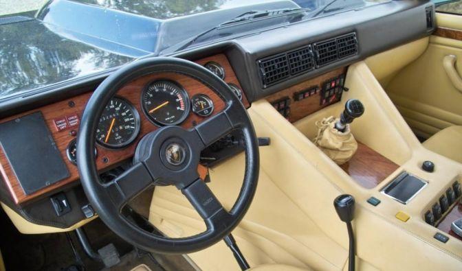 Die besten Bilder zu Lamborghini LM 002: Panzerspähwagen (Foto)